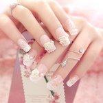 Nep nagels roze roosjes