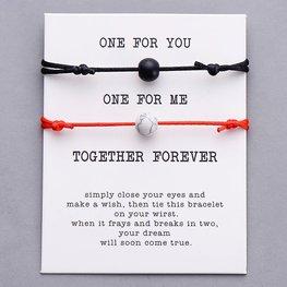 Giftcard met 2 armbanden  - Zwart/rood