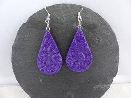 Handmade Paarse druppel oorbellen met glitter