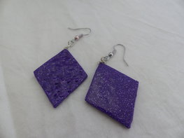 Handmade wiebertjes oorbellen - Paars glitter
