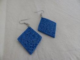 Handmade wiebertjes oorbellen - Blauw glitter