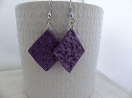 Handmade wiebertjes oorbellen - metallic paars