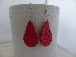 Handmade druppel oorbellen - metellic roze
