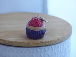 Handmade cupcake bedel