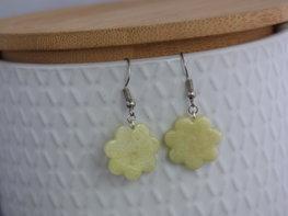 Handmade bloemen oorbellen - Pastel yellow