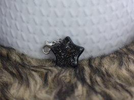Handmade ster bedel - Little black one