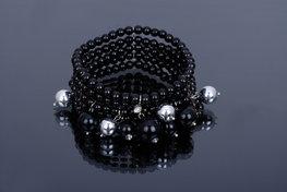 Brede elastische parel armband - zwart