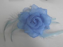 Haarklem met bloem (lichtblauw)