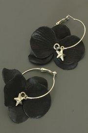Zwarte bloem oorbellen (ster)
