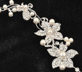 Buigbare tiara bloem met strass en parels