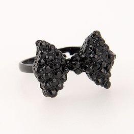 Ring met zwart strikje