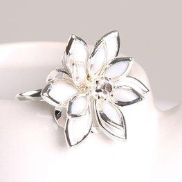 Ring bloem zilver/wit
