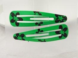 Haarspeldjes / Klik klak speldjes groen met zwarte bloemen print