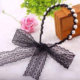 Haarband met parels en kanten lint - zwart