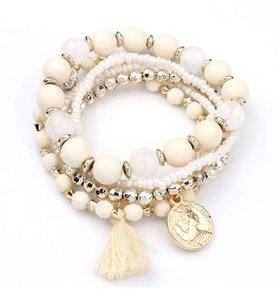 Set kralen armbanden met kwastje en munt , wit