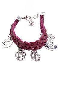 Gevlochten armband met bedels rood