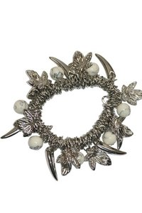 Elastische armband met bedels zilver/wit