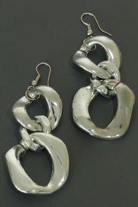 Lange zilverkleurige oorbellen