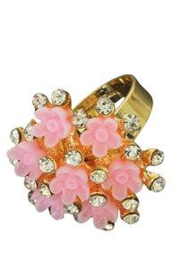 Ring met strass en roze bloemen